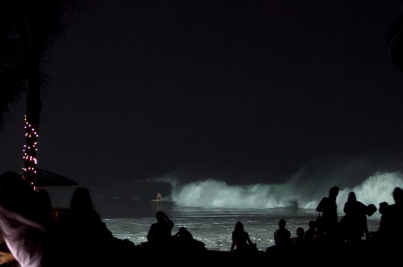 256_keramas_night_surf_05-1024x680