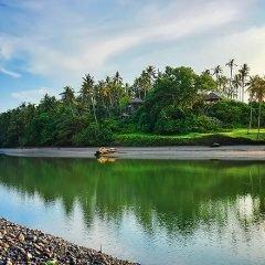 Фото реки рядом с красивым пляжем Балиан